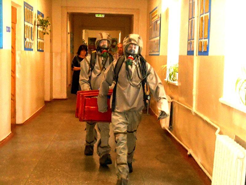 У одній із бориспільських шкіл рятувальники провели навчання