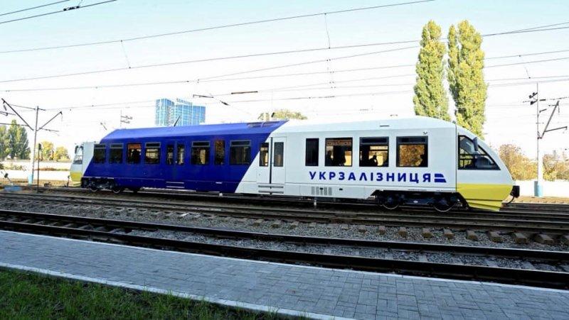 Укрзалізниця продемонструвала відремонтовані рейкові автобуси Pesa для маршруту Київ-Пасажирський—Бориспіль-аеропорт