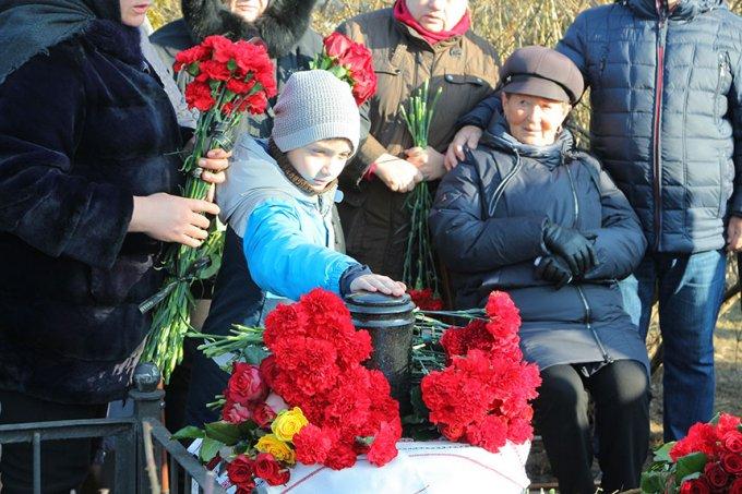 Бориспіль попрощався із загиблим пілотом (фото)