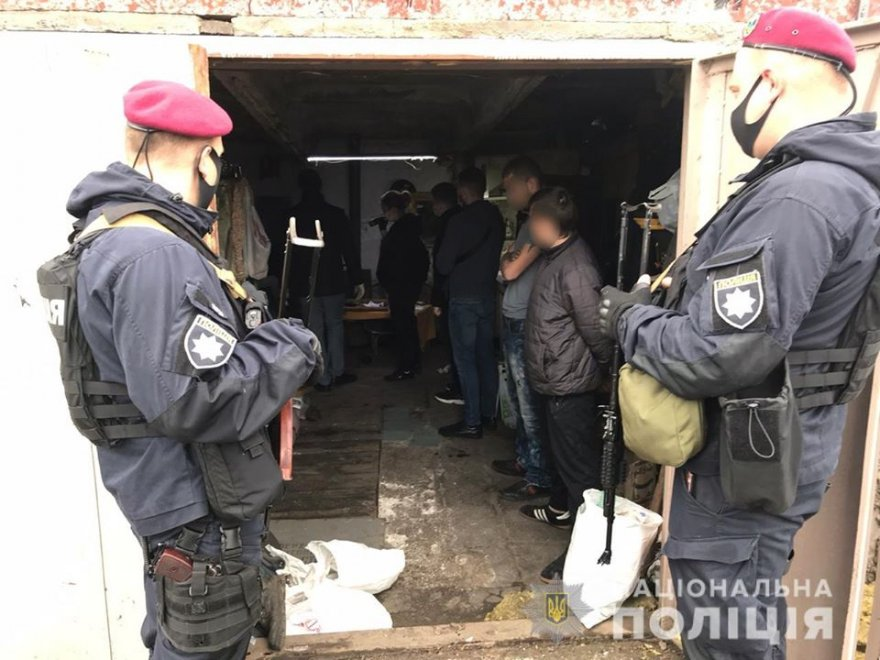 Злочинці із Борисполя викрали та катували чоловіка заради грошей