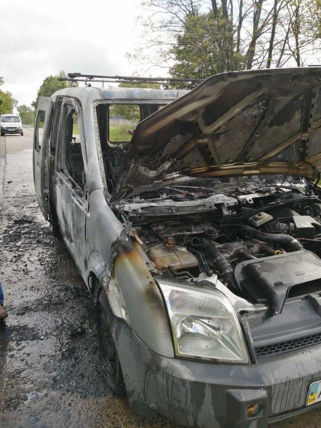 У Дударкові згорів автомобіль