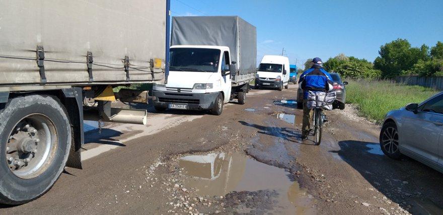 Бориспіль ремонтуватиме дорогу довжиною 1675 м до об'їзної (фото)