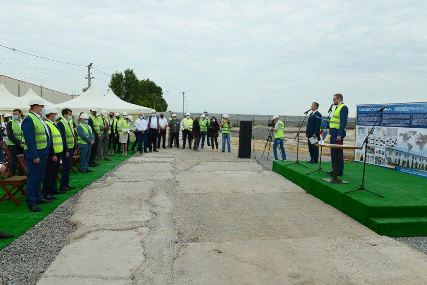 Разумков побував на урочистому закладанні капсули в будівництво заводу на Бориспільщині (відео, фото)
