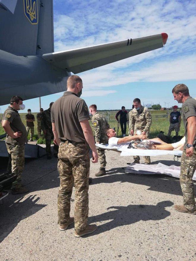 На військовий майданчик аеродрому «Бориспіль» прибув борт з 13 пораненими воїнами