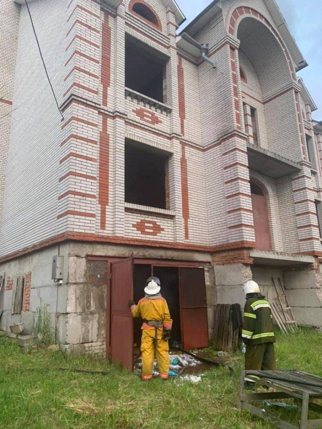 У Горі діти розгромили та підпалили будинок